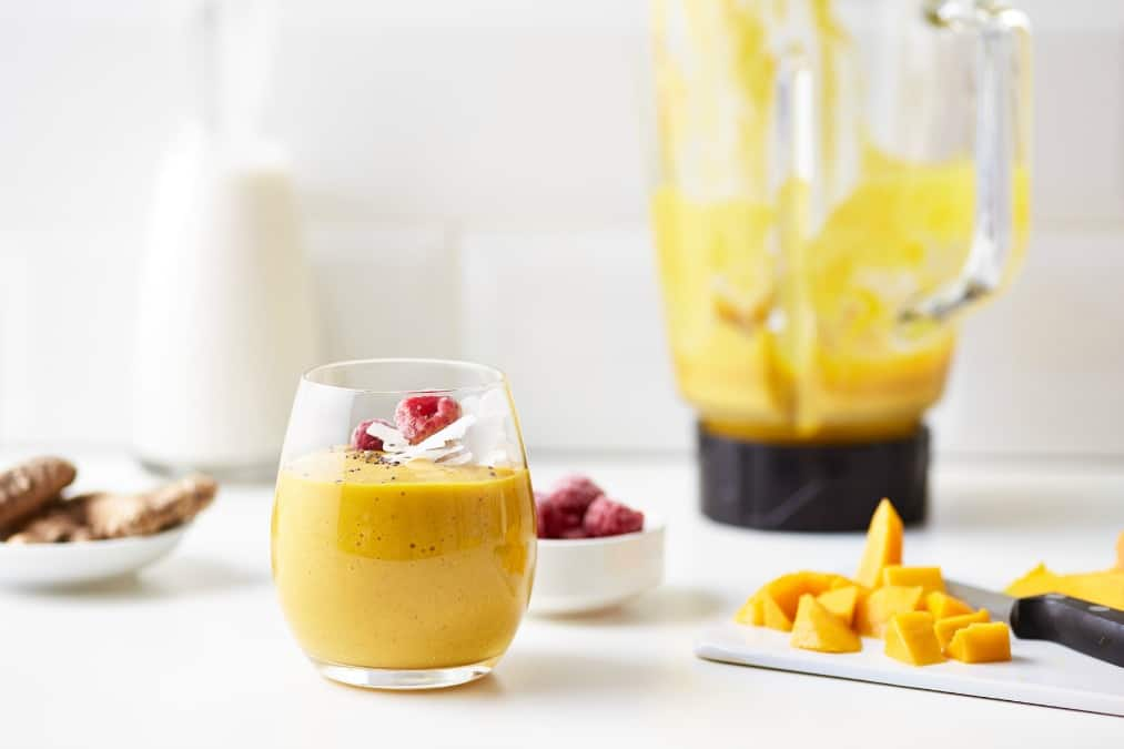 smoothie with mango to improve gut health naturally