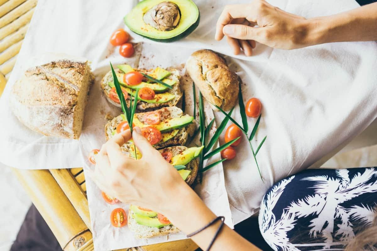 healthy sandwich spreads with avocado