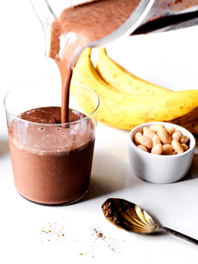 chocolate banana white bean smoothie