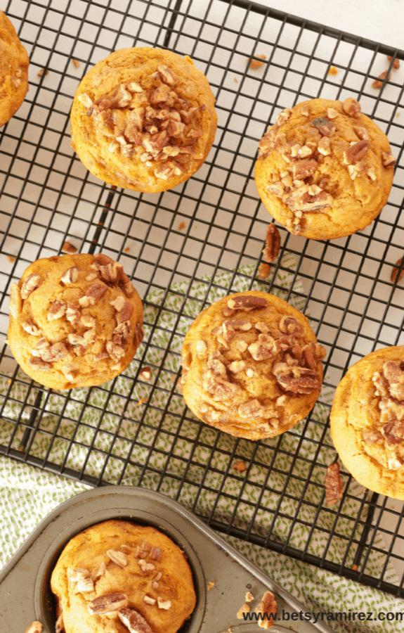 fall pumpkin praline muffins