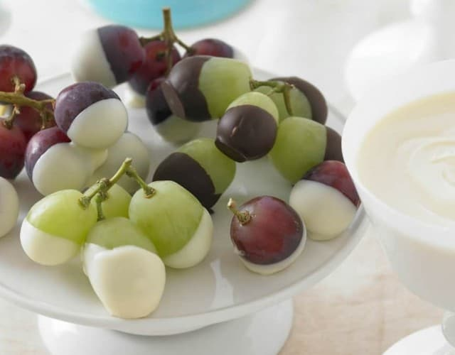 Chocolate-Dipped Fresh Grapes