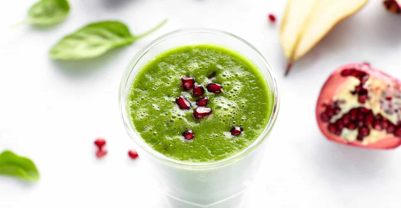 Pear and Pomegranate Green Smoothie